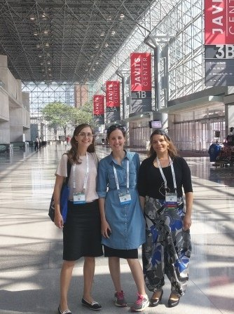 Our PhD students Oshra Betzer, Tamar Dreifuss and Rinat Meir participated in the World Molecular Imaging Congress (WMIC) in New York, after all three won travel grants from the Ministry of Science and Technology for presenting their research in the conference.